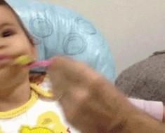 dijete-jede